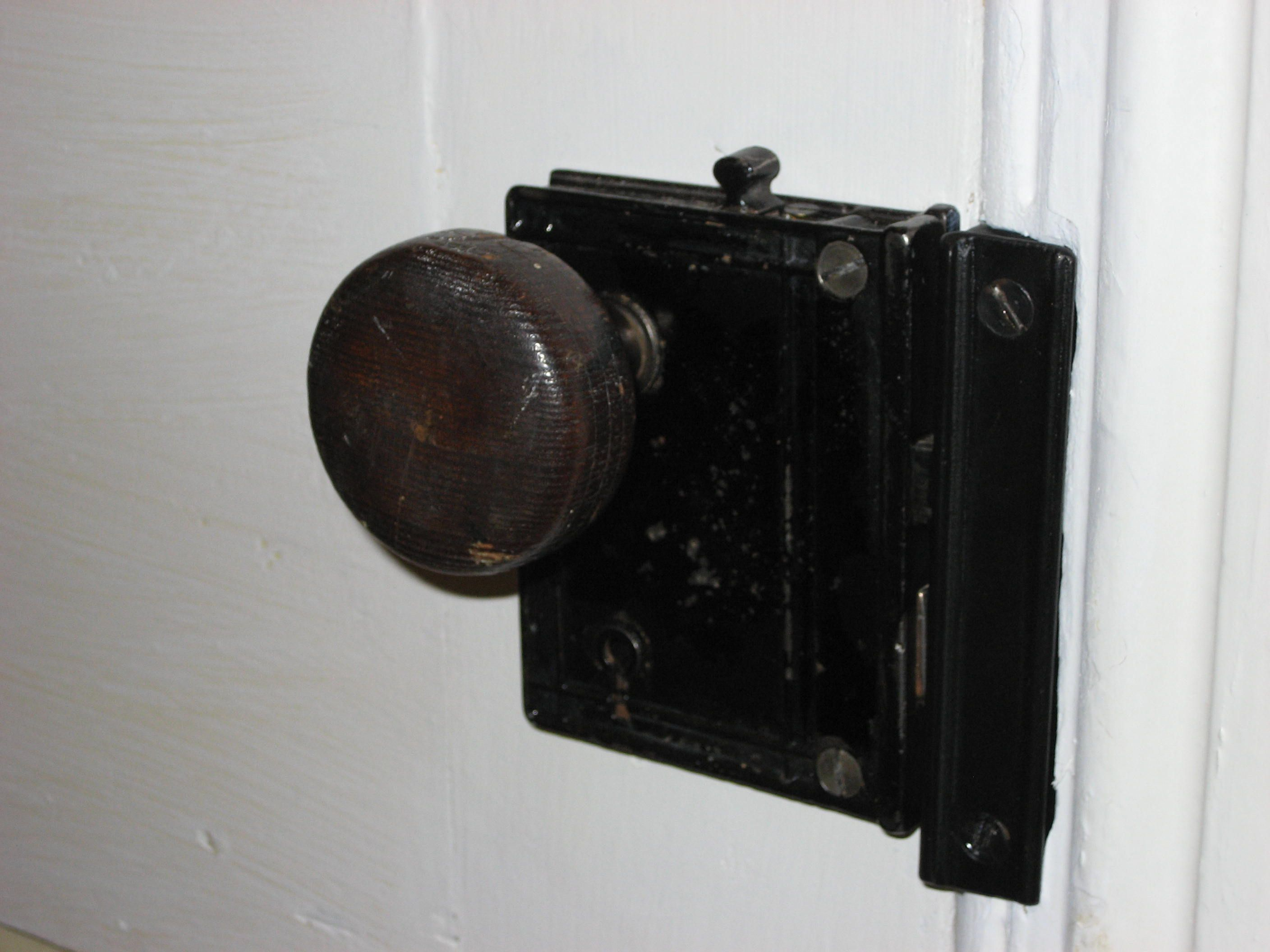 Charmant 3 The Big Bulky Old Fashioned Door Locks Decor Homes Inside Size 2816 X 2112