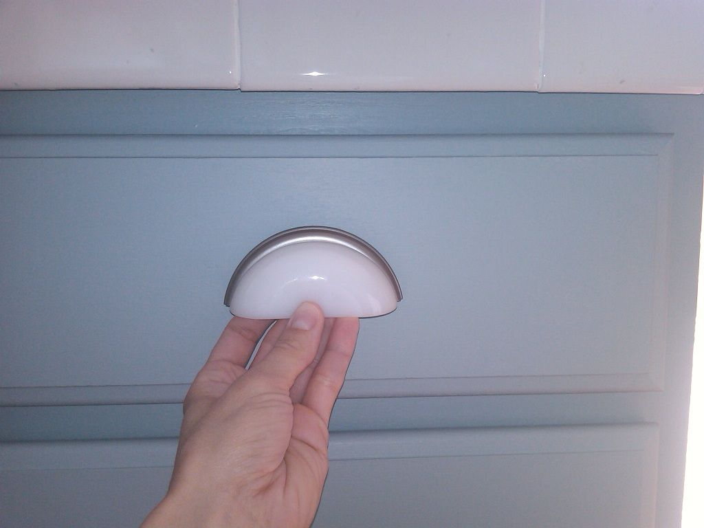 7 White Drawer Pulls For Gray Painted Cabinets Mom And Her Drill in size 1024 X 768