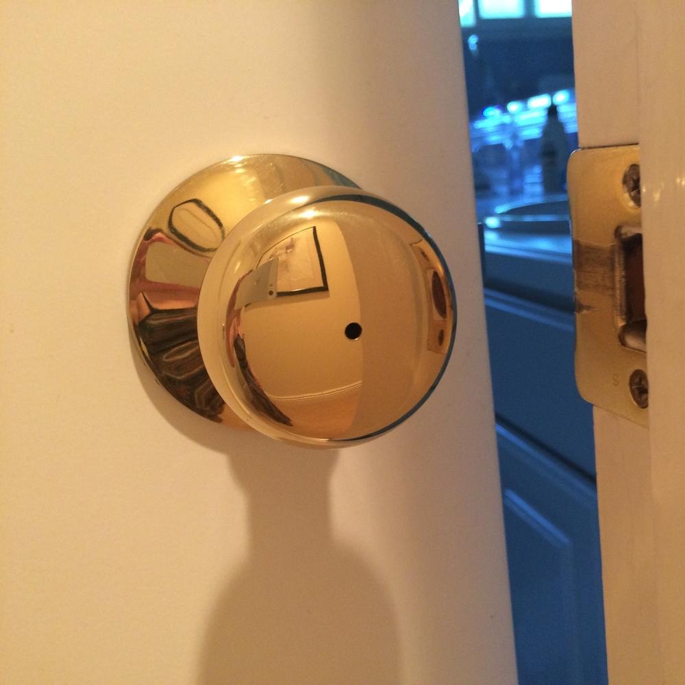 Unlocking Door Knob With Hole Door Knobs throughout measurements 1000 X 1000
