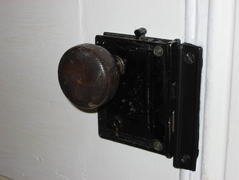 Vintage Looking Door Knobs Door Locks And Knobs throughout sizing 2816 X 2112