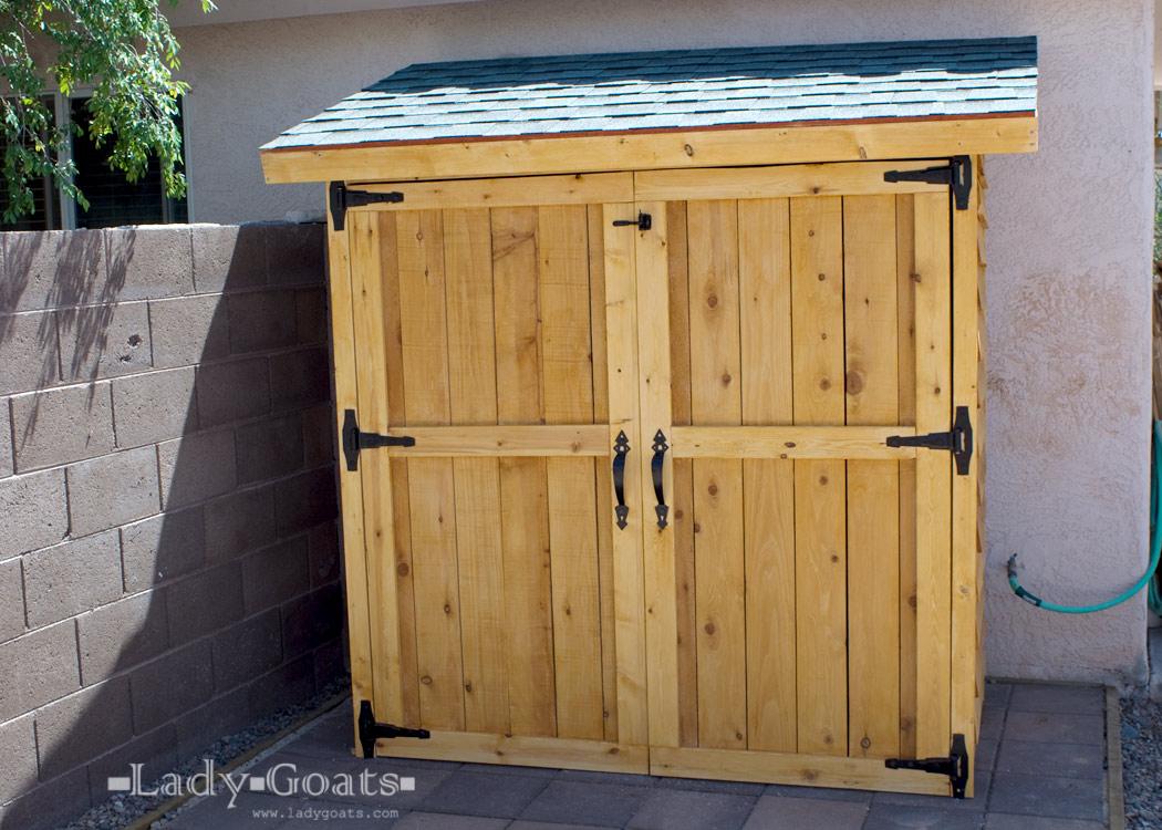 Ana White Small Cedar Fence Picket Storage Shed Diy Projects regarding size 1050 X 750
