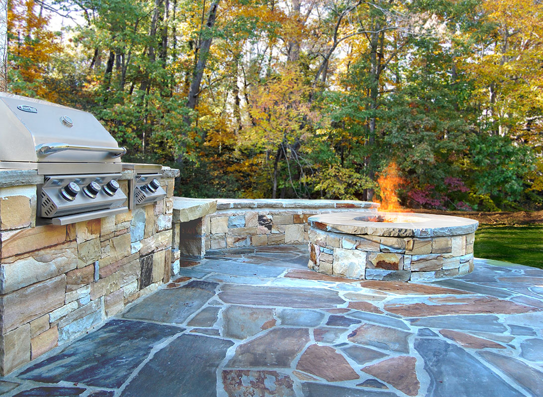 Atlanta Stone Fireplaces Outdoor Fire Pits Grills pertaining to dimensions 1092 X 800