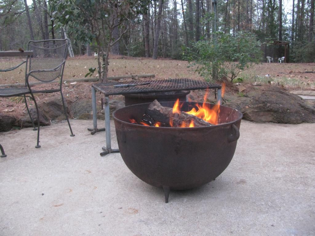 Cast Iron Wash Pot As A Fire Pit Texags Bbq Pinte regarding dimensions 1024 X 768
