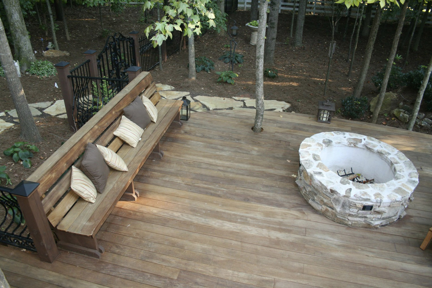 Curved Fire Pit Bench With Back Fireplace Design Ideas throughout measurements 1500 X 1000