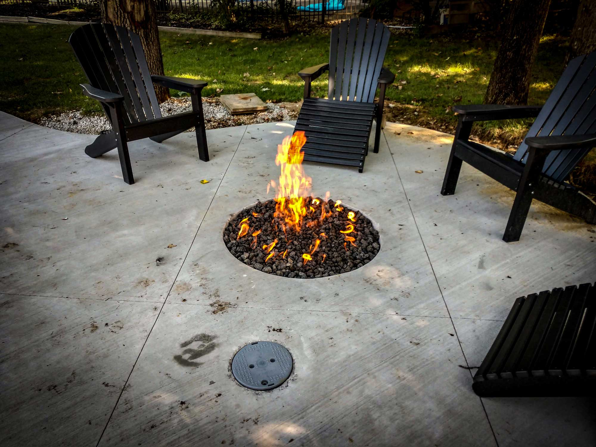 Custom Outdoor Gas Fire Pits From Stewarts Lp Gas Seymour In in sizing 2000 X 1500