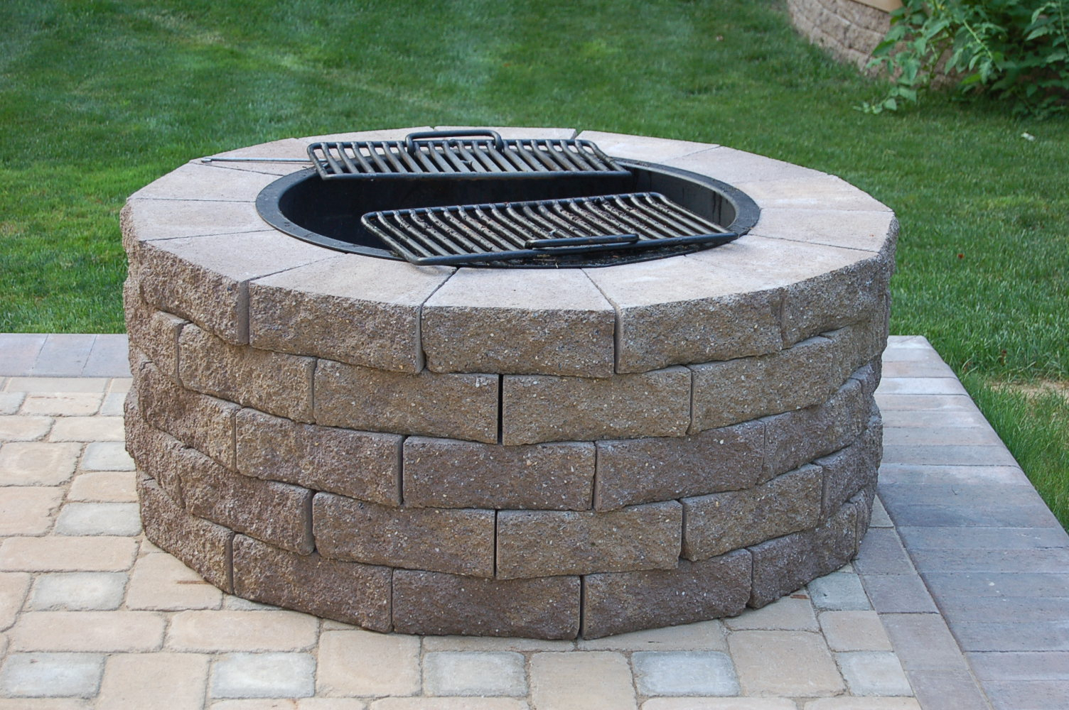 Fire Pit Cooking Grate Fireplace Design Ideas throughout size 1504 X 1000