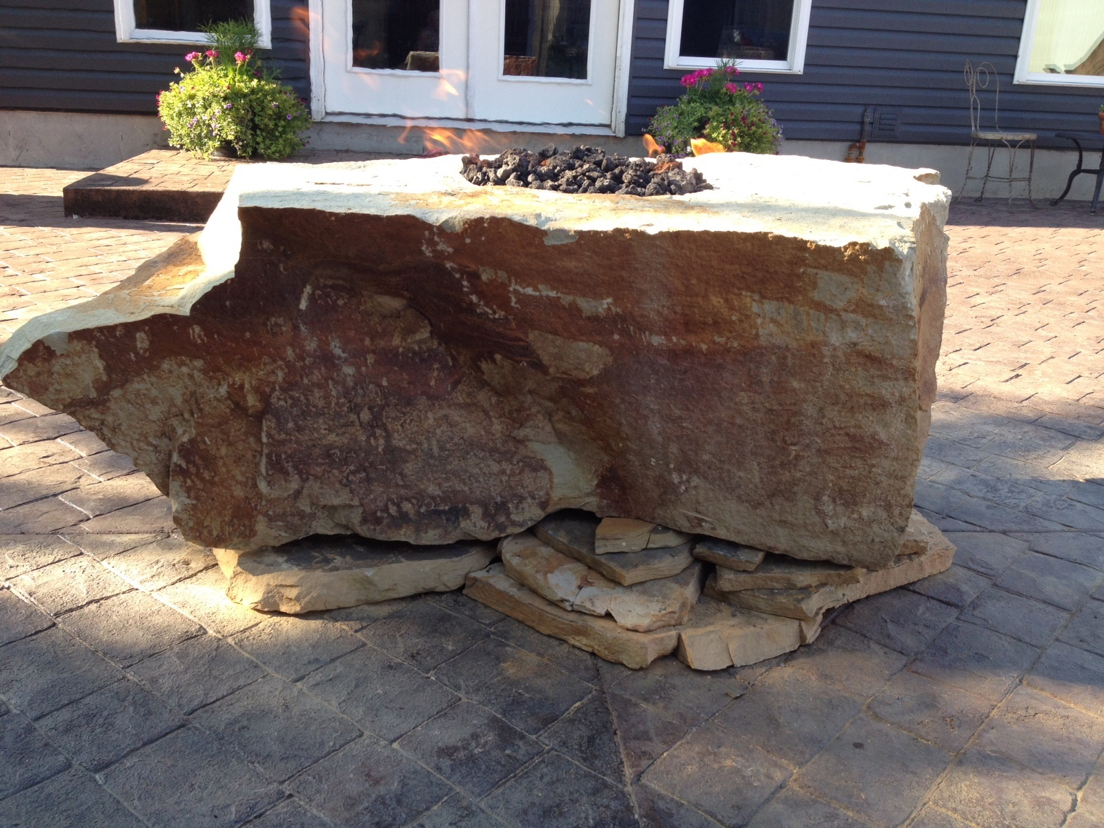 Fire Rock Natural Stone Fire Pit Fire Pit Backyard Fire Pit pertaining to proportions 1600 X 1200