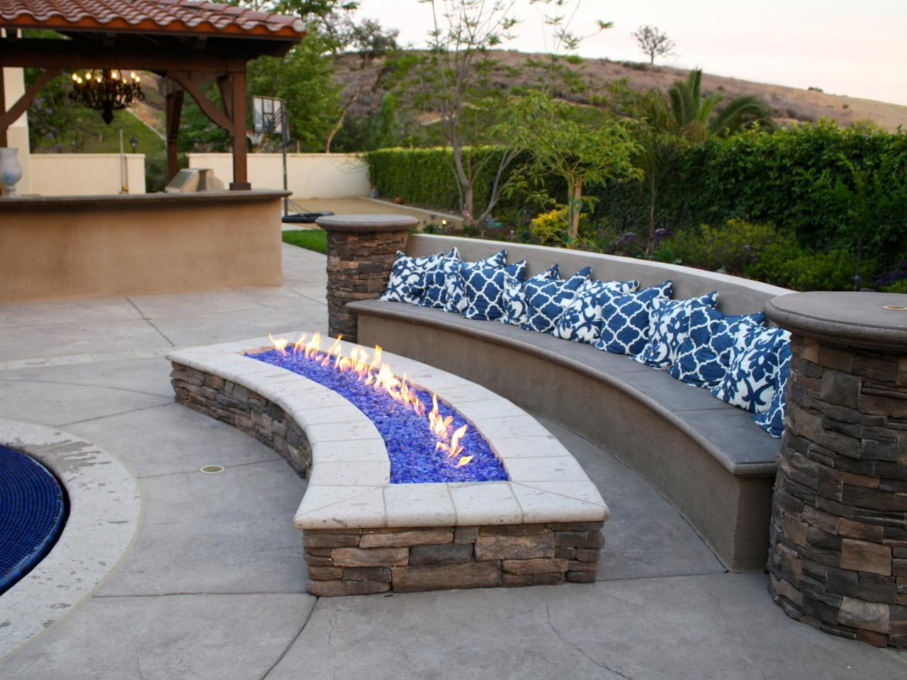 Outdoor Fire Pit With Glass Rocks Fire Pit Design Ideas within dimensions 1280 X 960