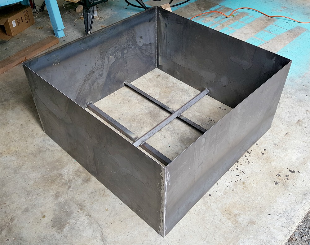 Welded Diy Fire Pit Modern Fire Pit Makeover Dans Le Lakehouse for measurements 1000 X 792